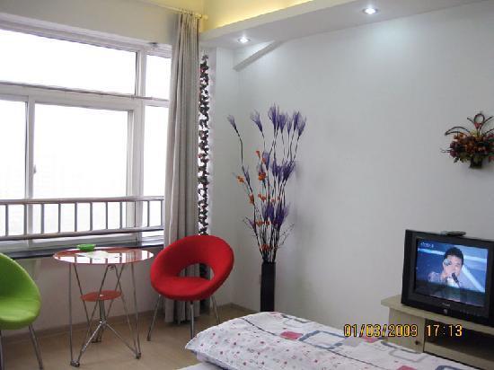 Dihu Home Apartment Hotel: 情侣电脑间——100元/天