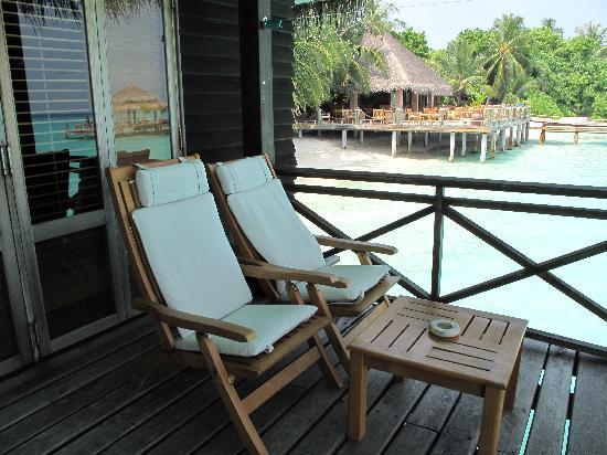 Kuramathi: 躺在露台椅子上看海看到睡着,绝对是人生一大享受