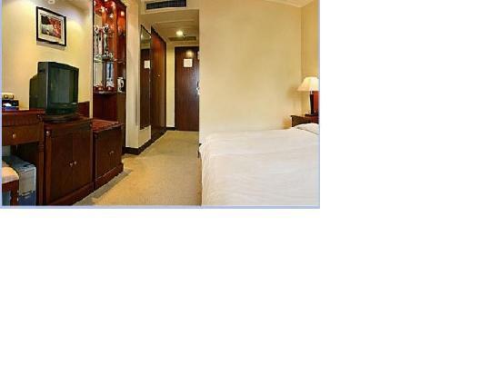 Jing Peng Hotel: 又点怀旧的样子