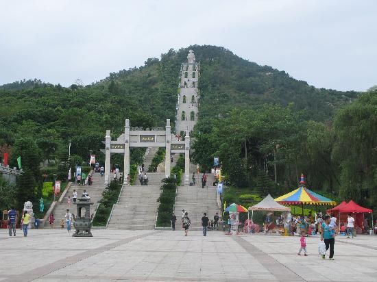 Ciji Palace of Qingjiao: 天梯比照片看起来还要陡,爬起来老费尽了