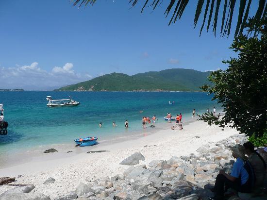 Nha Trang, Vietnam: 芽庄四岛游,美丽的海滩