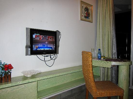 Rujia Seascape Hotel Sanya Yefeng Haiyun: 从来没见过这么小的电视~!