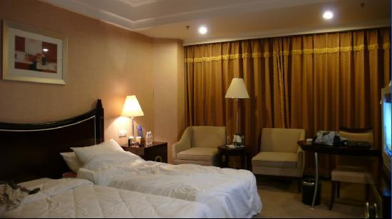 Make Boluo Business Hotel : 这是我住的房间啦。装修的很好呢!