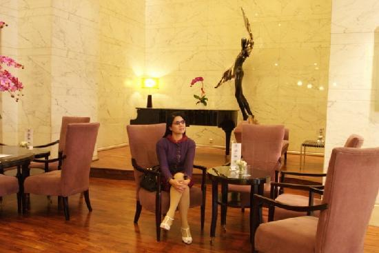 بكين إيشا هوتل: 这是大堂钢琴角