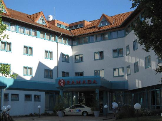 H+ Hotel Stuttgart Herrenberg: ramada hotel