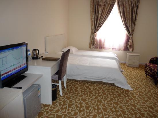 Shenglunlan Hotel : 555555555555555