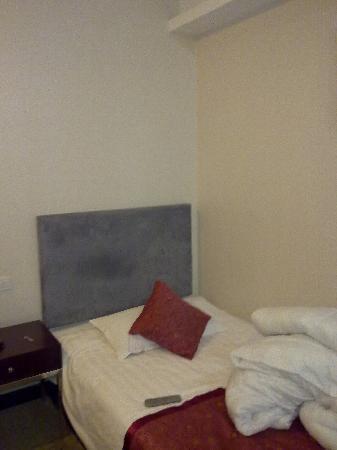 Jinsha Hotel: 床