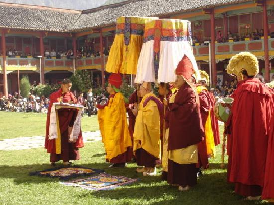 Jingang Temple : 布楚活佛-8月