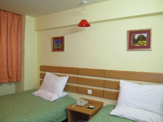 Home Inn (Xiamen Lundu): 床(谢谢 寒XXdrum)