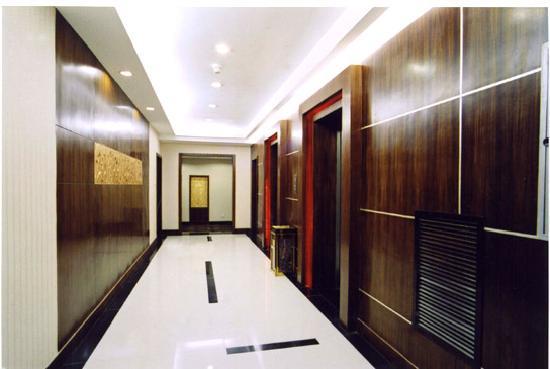 Sunshine Hotel: 走廊