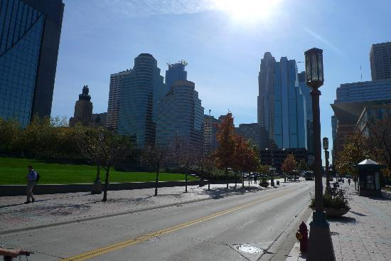 Minneapolis, MN: 明尼downtown