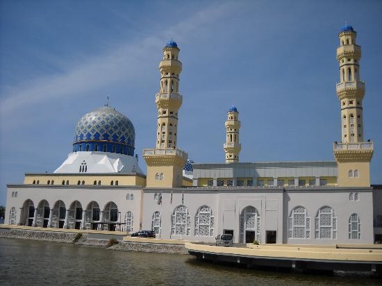 Kota Kinabalu, Malaisie : 沙巴水上清真寺