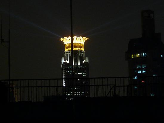 Kai'en Hotel : 入住房间窗外夜景