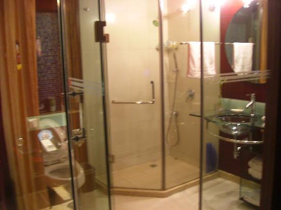 Ningbo Hotel : 挺大的卫生间