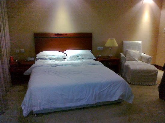 Polka Hotel: 卧室