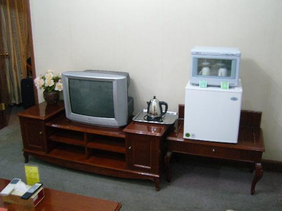 Kangding Hotel : 电热壶的壶嘴很锈