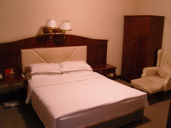 Kangding Hotel : 厚枕头
