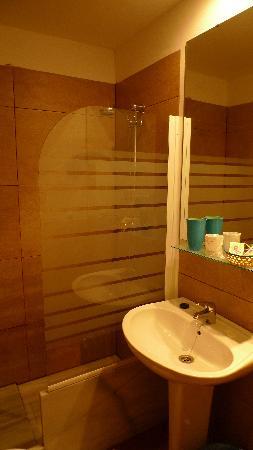 Hotel Almona : 洗手间