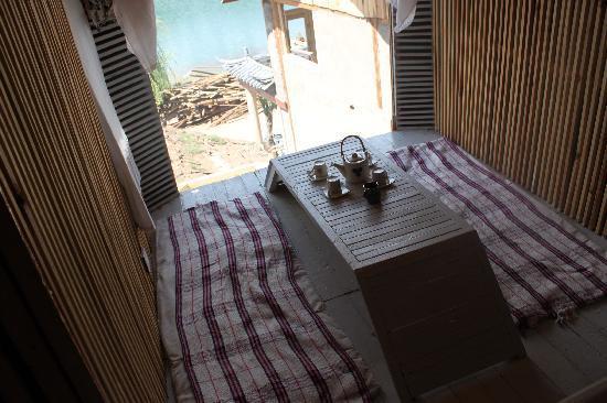 luguhu Wucai Lige Hostel: 房间观景茶室