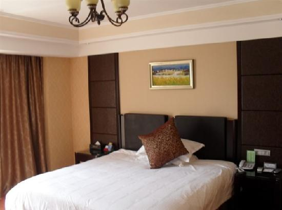 Fennisi Hotel