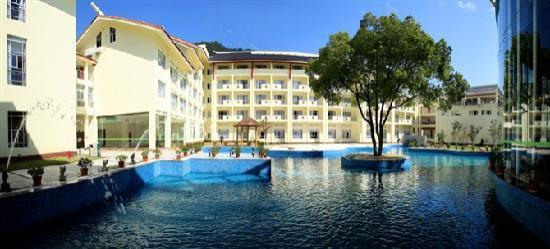 Guobin Hotel Zhangjiajie: 很漂亮的泳池