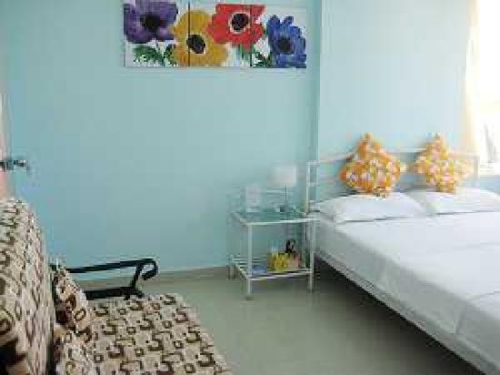 Sun Bay Hostel: 房间一角