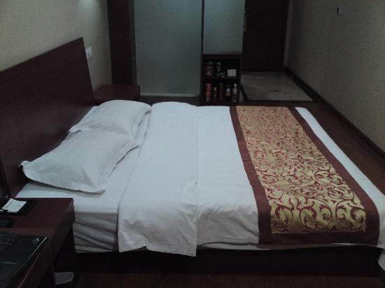 Junlin Business Hotel: 5