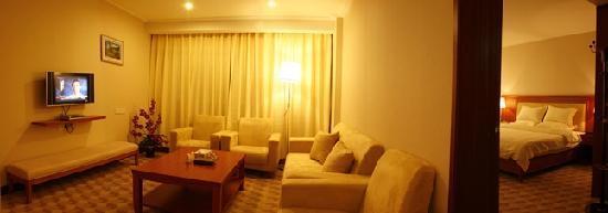 Junyi Hotel: 4