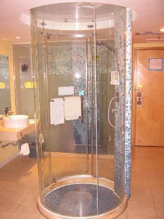 Home Inn (Nanning Liwan Road): 透明玻璃浴室