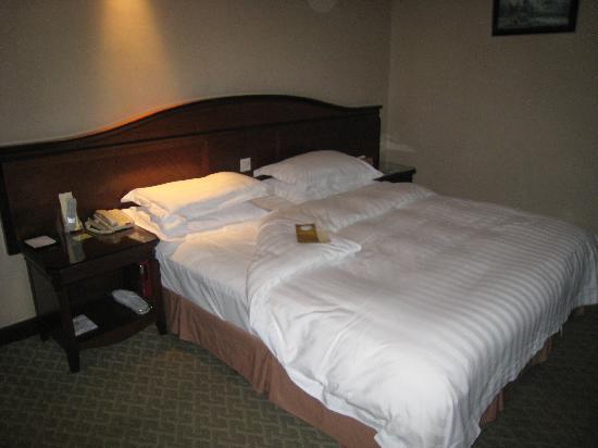 Narada Hotel Jinhua: 我喜欢的大床,舒服