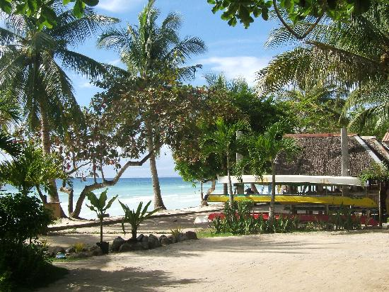 Dumaluan Beach Resort: 外部
