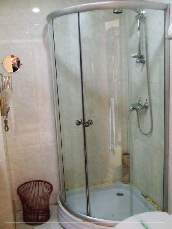 Senwei Hotel: 洗浴环境
