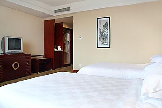 Huatian Hotel: 房间内部