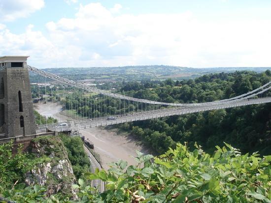 Бристоль, UK: 布里斯托的地标性建筑--吊桥suspension bridge