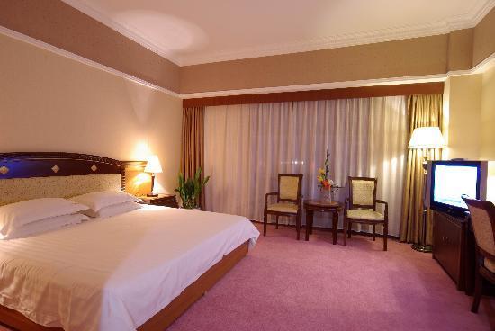 Guilin Jinpu Hotel: 酒店大床房