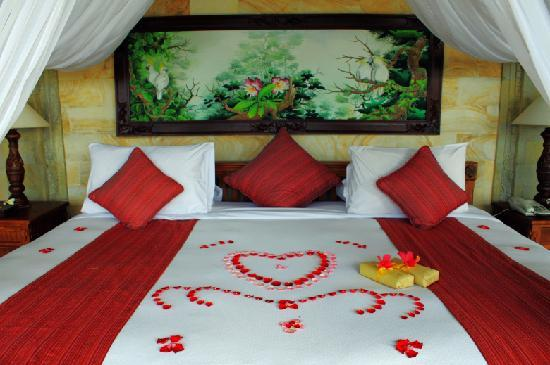 BALI 的ROYAL PITA MAHA酒店蜜月布置