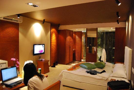 Jinguan Impression Apartment Hotel: 背影出镜 以证明是真实照片