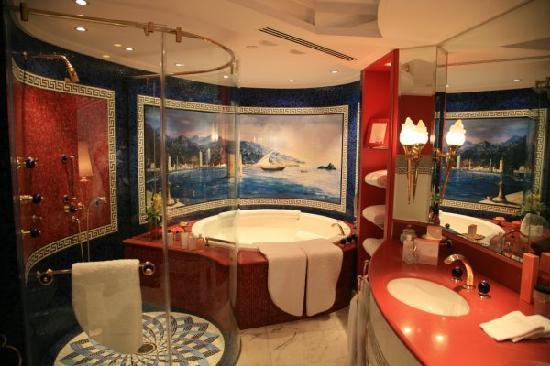 Burj Al Arab Jumeirah: 2楼浴室