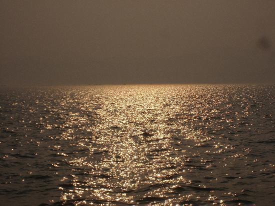 Liugong Island: 晚上的海面