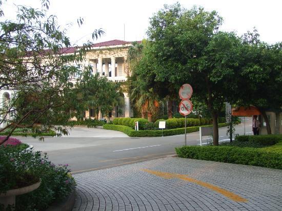 Oriental Resort : 里面的路