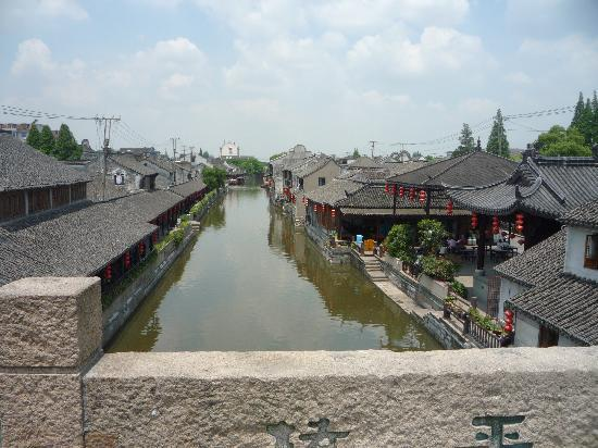 ‪Fengjing Ancient Town‬