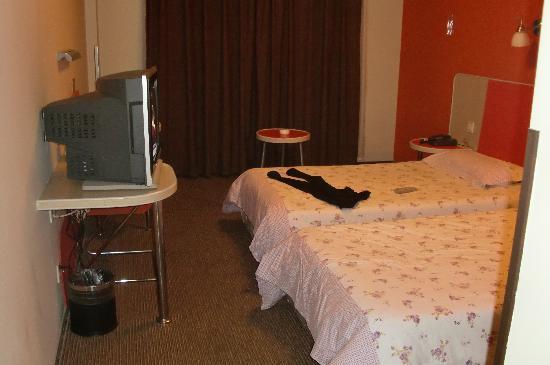 Motel 168 (Nanjing Heyan Road) : 标准间
