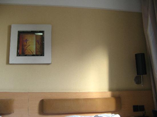 Super 8 (Urumqi Bayinhe): 酒店标准间室内