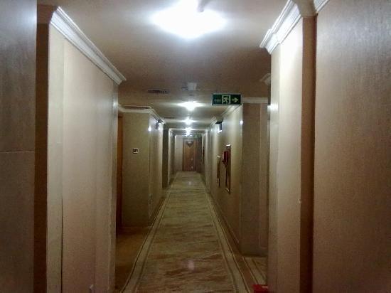 Hui An Dapeng Hotel: 过道。