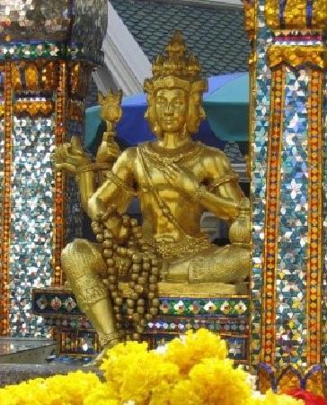 Erawan Shrine (Thao Mahaprom Shrine): b_large_2t3q_7d810000cc6f2d11