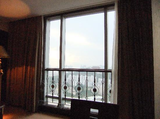 Meilun Hotel: 我的窗口看出去的样子