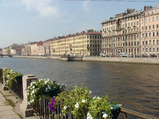 """เซนต์ปีเตอร์สเบิร์ก, รัสเซีย: 圣彼得堡市内运河交错,素有""""北方威尼斯""""之称"""