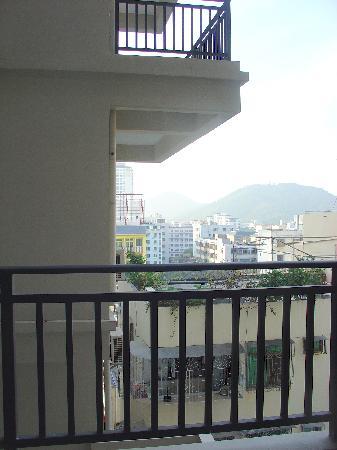 Baosheng Seaview Hotel: 阳台望出去的景观