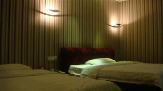 International (Yucca) Hotel: 8