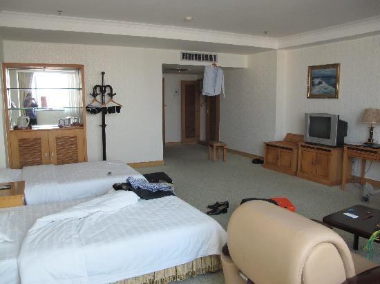 Lvweisi International Hotel : 房间内部